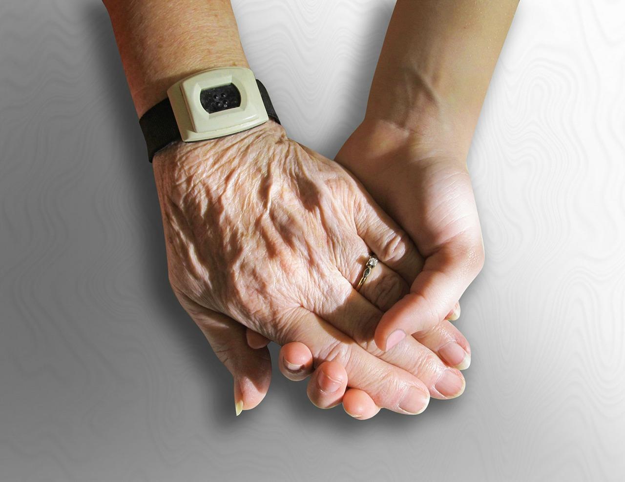 hands-216982_1280.jpg
